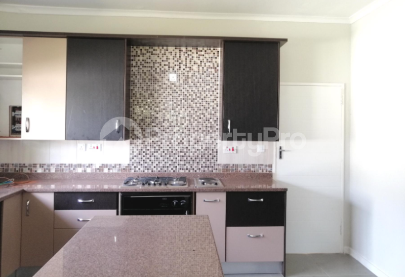 4 bedroom Townhouses Garden Flat for sale Groom Bridge Harare North Harare - 2