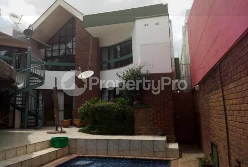 4 bedroom Townhouses Garden Flat for sale Highlands Harare North Harare - 0