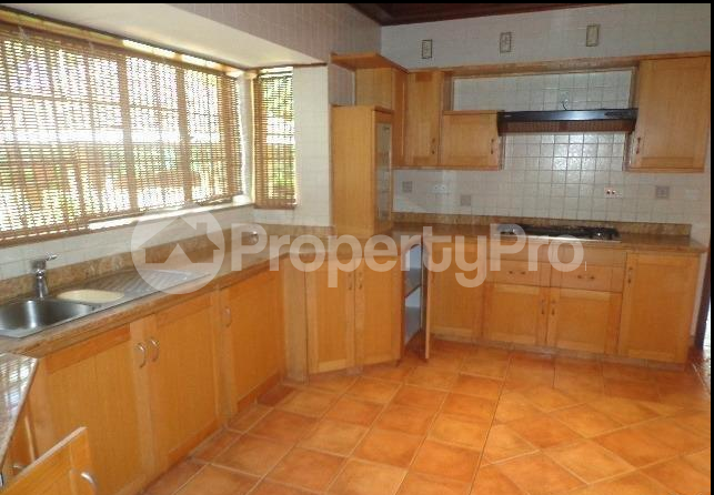 6 bedroom Houses for sale Lavington Green Lavingtone Nairobi - 1
