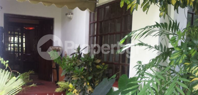 7 bedroom Townhouses Garden Flat for rent Borrowdale Brooke Harare North Harare - 2