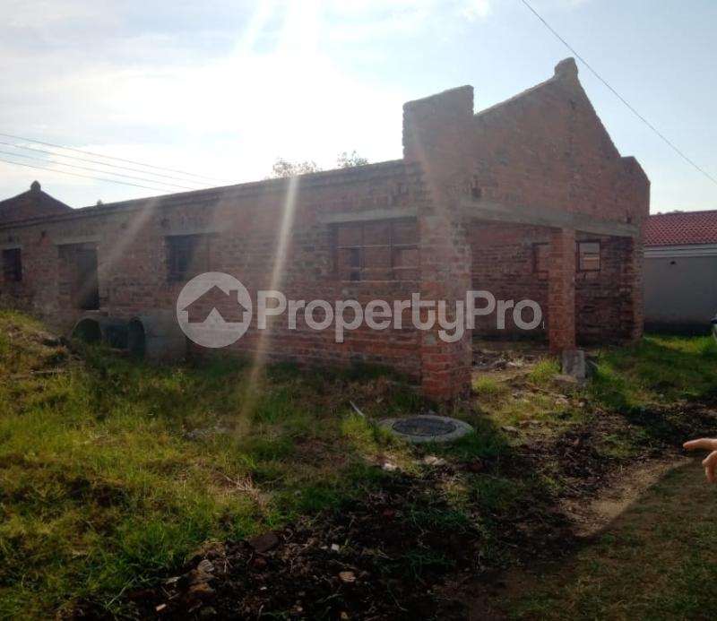 Houses for sale Bluff Hill Harare West Harare - 1