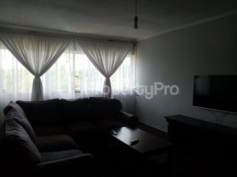 2 bedroom Flats & Apartments for sale chnamano avenues area Harare City Centre Harare CBD Harare - 2