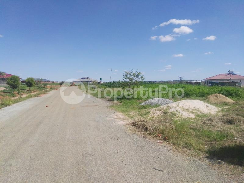 Stands & Residential land Land for sale Old Mazowe Haydon Park Harare West Harare - 0