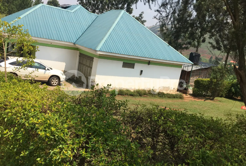 4 bedroom Apartment for sale Mbarara Western - 1