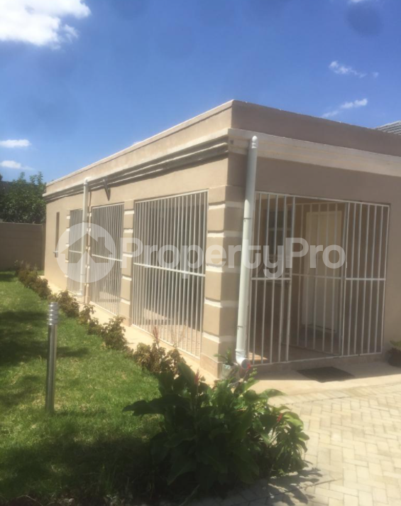 2 bedroom Houses for rent Harare CBD Harare - 0
