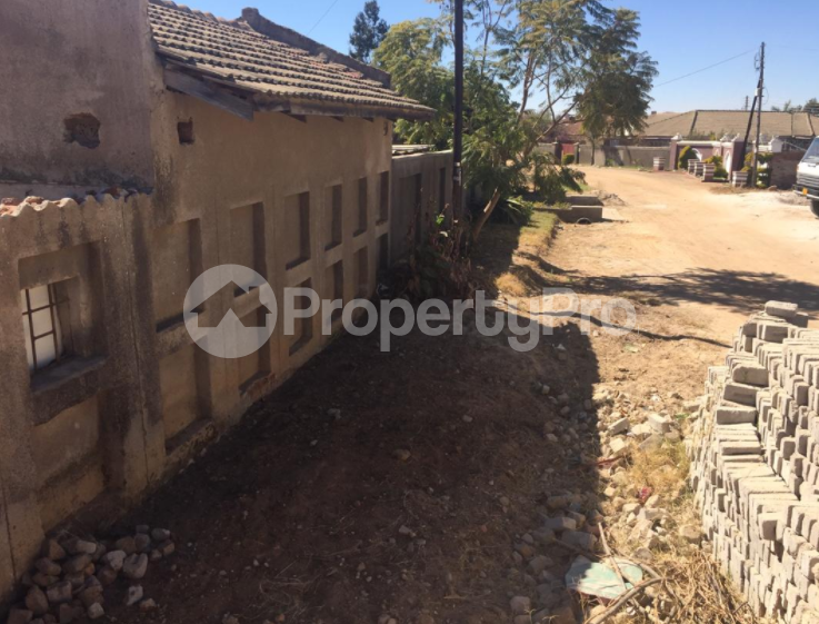 4 bedroom Houses for sale Gwai road Zimre Park Harare East Harare - 1
