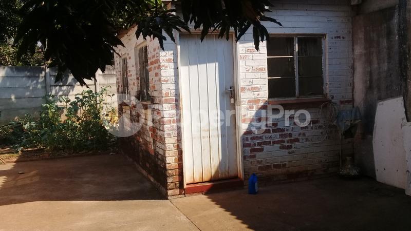 5 bedroom Houses for sale Kumalo Bulawayo East Bulawayo - 64