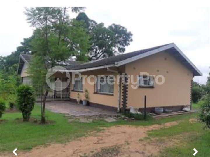 3 bedroom Houses for sale dabshre Waterfalls Harare South Harare - 3