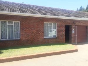 2 bedroom Flats & Apartments for sale Shaneragh road Mandara Harare East Harare