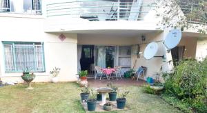 2 bedroom Flats & Apartments for sale Dandaro Harare North Harare