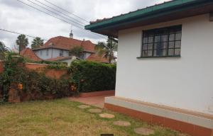 2 bedroom Bungalow Houses for rent - Runda Westlands Nairobi