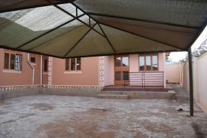 2 bedroom Bungalow Apartment for rent buwate Kira Wakiso Central