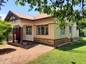3 bedroom Bungalow Apartment for sale Walukuba-Masese Rd, Jinja, Uganda Jinja Eastern