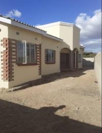 3 bedroom Houses for sale new zengeza Zengeza Chitungwiza Mashonaland East