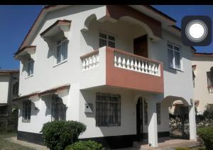 3 bedroom Land for sale - Shanzu Mombasa
