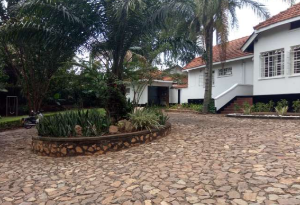 3 bedroom Apartment for rent Near Germany Embassy in Kololo Kasanda Central
