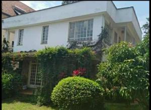 3 bedroom Houses for sale - Kitisuru Nairobi