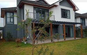 3 bedroom Townhouses Houses for sale Kasarini/paradise Lost Nairobi County, Kiambu Road Nairobi