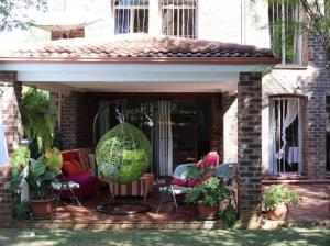 3 bedroom Townhouses Garden Flat for sale -  Newlands Harare North Harare