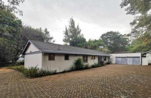 4 bedroom Bungalow Houses for rent - Loresho Westlands Nairobi