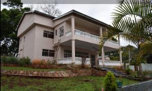 4 bedroom Houses for rent -  Spring Valley Nairobi