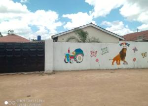4 bedroom Houses for sale zengeza 3 Zengeza Chitungwiza Mashonaland East