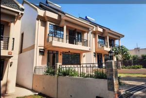 4 bedroom Houses for sale - Westlands Nairobi
