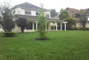 4 bedroom Apartment for rent Near Naguru Police Headquarters, Naguru Kampala Central