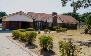 4 bedroom Houses for sale Old waterfalls Harare North Harare