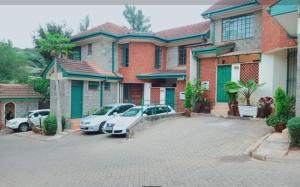 4 bedroom Townhouses Houses for sale - Lavington Dagoretti North Nairobi