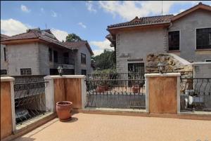 4 bedroom Townhouses Houses for rent - Kileleshwa Nairobi