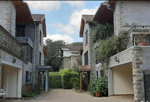 4 bedroom Townhouses Houses for rent Vihiga Rd  Kileleshwa Nairobi
