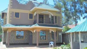 5 bedroom Townhouses Houses for sale Katani Road Syokimau Athi RIver Machakos