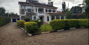 5 bedroom Houses for rent Runda Nairobi