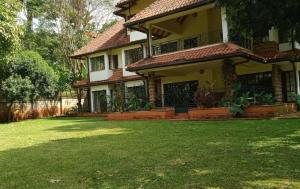 5 bedroom Townhouses Houses for sale Rosslyn Lone Tree Estate Rd Kitisuru Nairobi