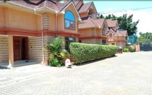 5 bedroom Townhouses Houses for rent Kwa Benard Stage Maziwa,  Lavington Dagoretti North Nairobi