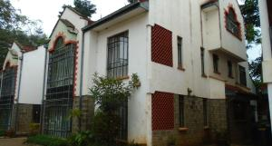 5 bedroom Townhouses Houses for rent Mbaazi Avenue, Lavington Dagoretti North Nairobi