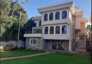 5 bedroom Townhouse for rent Lavington Nairobi
