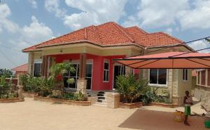 5 bedroom Apartment for sale Kira Wakiso Central