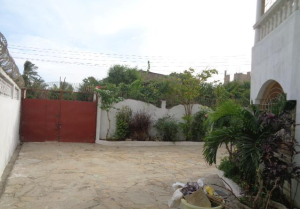 6 bedroom Flat&Apartment for sale - Bamburi Mombasa