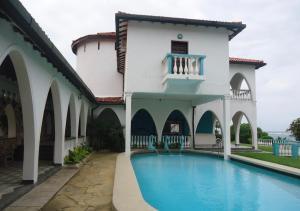 6 bedroom Houses for sale Mt Kenya road  Nyali Mombasa