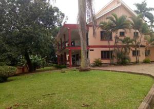 6 bedroom Apartment for rent - Bugolobi Kampala Central