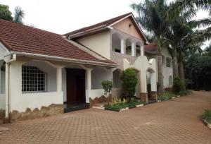 6 bedroom Houses for rent - Runda Westlands Nairobi