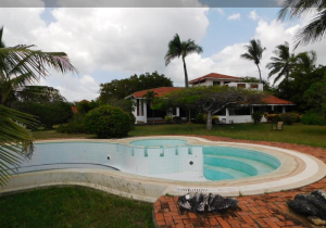 8 bedroom Houses for sale - Bofa Kilifi