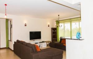 3 bedroom Flat&Apartment for sale Nairobi, Kasarani Kasarani Nairobi