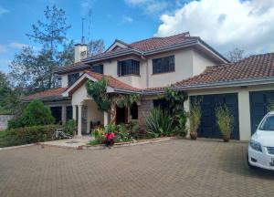 7 bedroom Houses for sale Village Rd Kitisuru, Gigiri, Nairobi Gigiri Nairobi