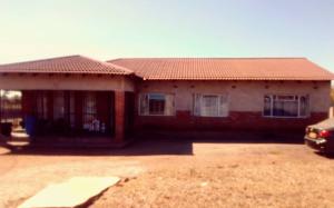 4 bedroom Houses for sale Kingsdale Bulawayo North Bulawayo