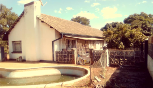3 bedroom Flats & Apartments for sale Romney Park Bulawayo South Bulawayo