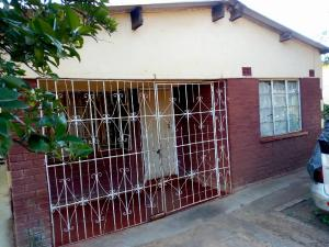 3 bedroom Houses for sale Mbizo Kwekwe Midlands
