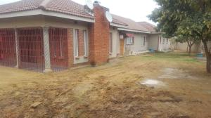 7 bedroom Houses for sale Manyame Park Chitungwiza Mashonaland East